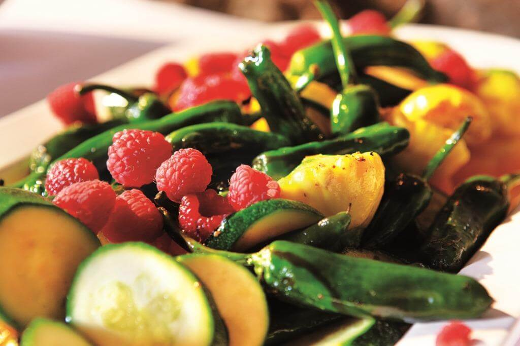 salat-bar-barbekyu-barvysta-demonstratsiya-vitaminiv