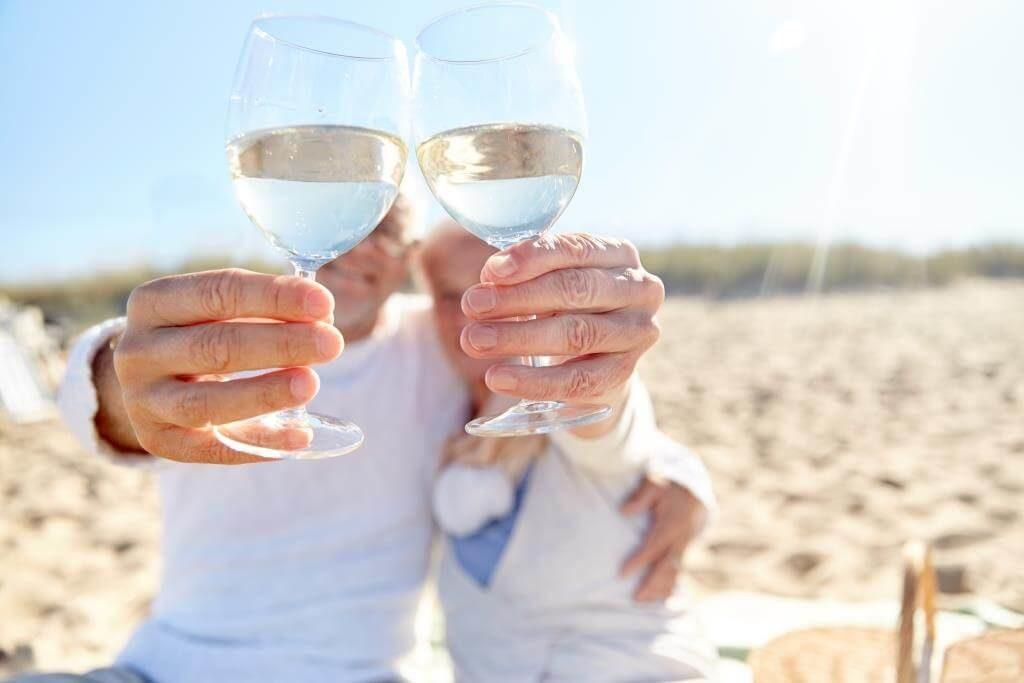 grajlyvyj-nastrij-chym-vidriznyayutsya-shampanske-ispanske-kava-ta-prosekko-4