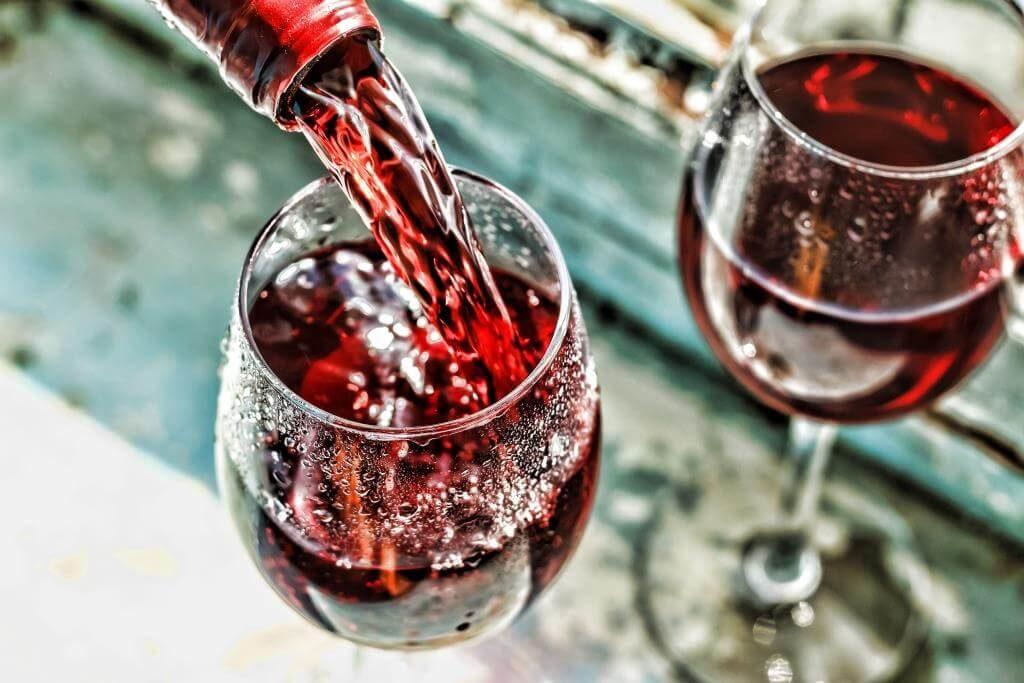 yak-chytaty-etyketku-vyna-5-vazhlyvyh-punktiv-5