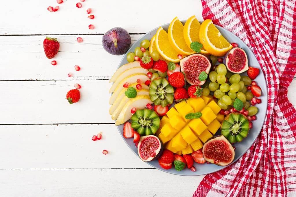 garna-fruktova-narizka-vdoma-top-5-korysnyh-lajfhakiv-1