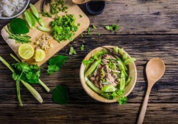 dyvovyzhni-salaty-z-tuntsya-dobirka-retseptiv-yak-prygotuvaty-salat-iz-tuntsem-na-svyata-j-kozhen-den-1