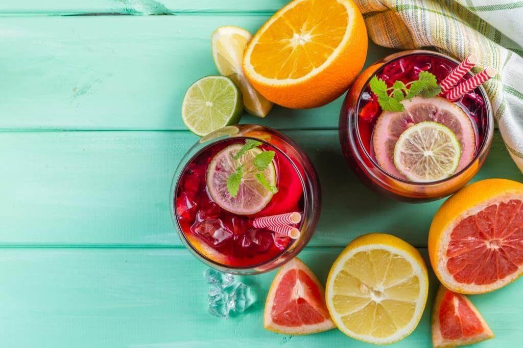 retsept-sangriyi-miks-vynnoyi-terpkosti-ta-fruktovoyi-svizhosti-11