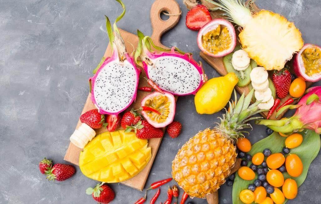 ekzotychni-frukty-pokushtuj-lito-2