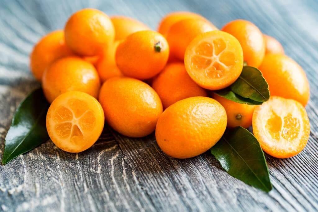 ekzotychni-frukty-pokushtuj-lito-9