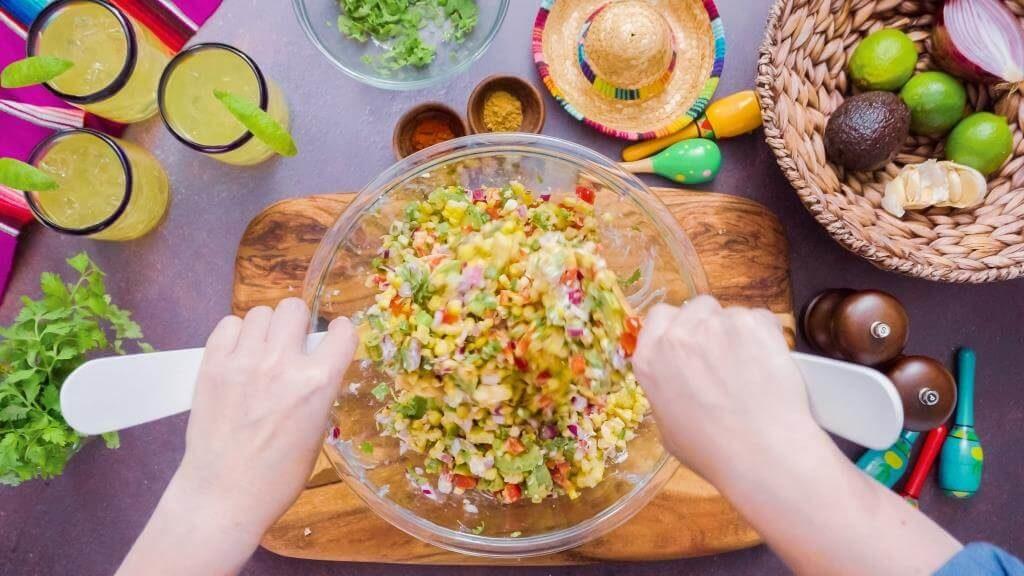 salaty-zi-svizhoyu-kukurudzoyu-sokovyti-vitaminni-stravy-5