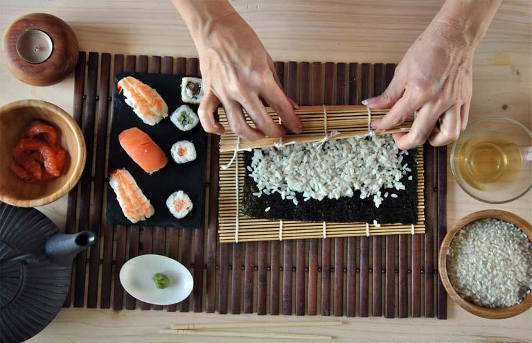 yak-prygotuvaty-sushi-vdoma-prosti-retsepty-smachnyh-strav-4