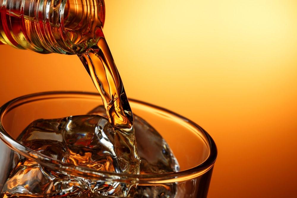 yak-pravylno-pyty-viski-ta-chym-zakushuvaty-tsej-napij-3