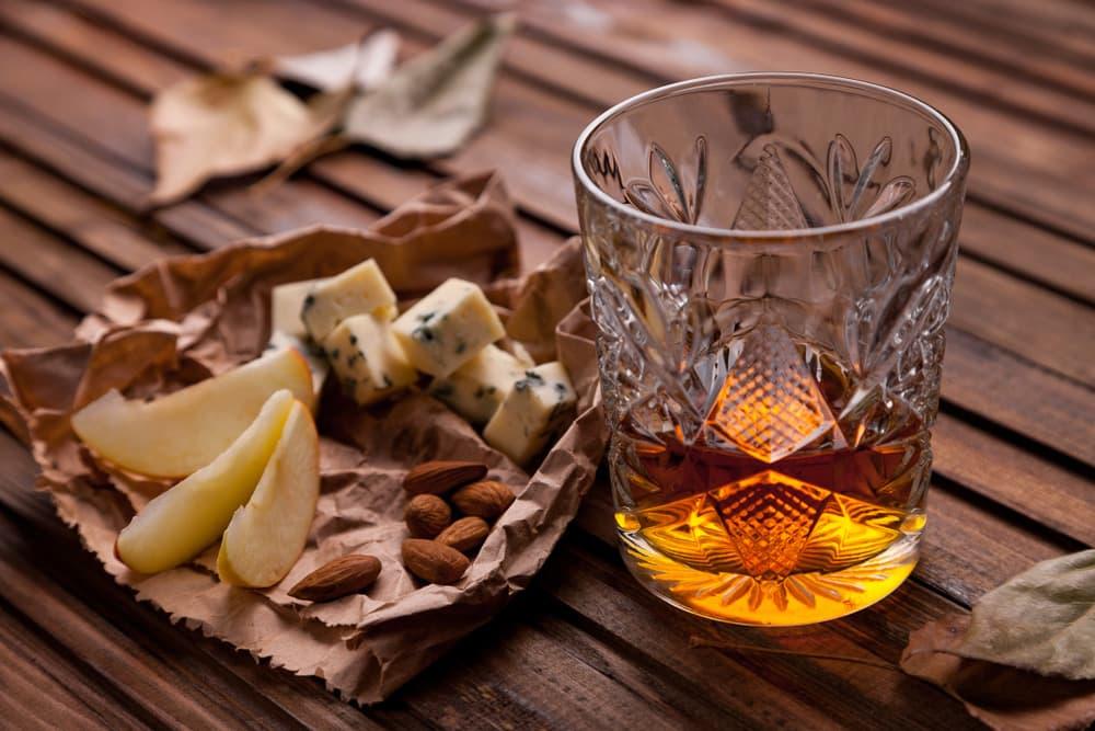 yak-pravylno-pyty-viski-ta-chym-zakushuvaty-tsej-napij-6