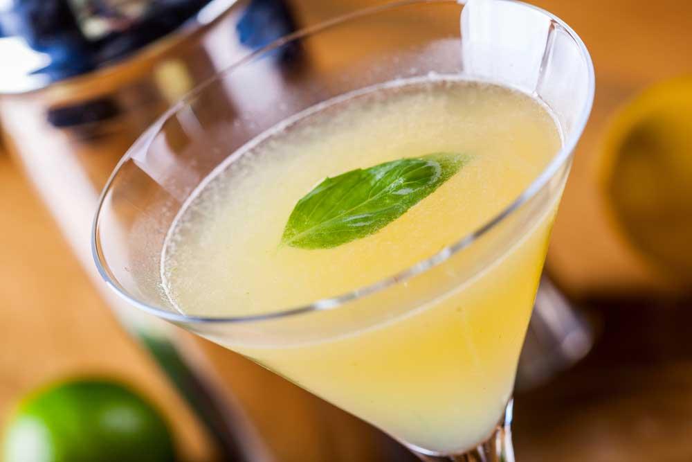 koktejli-z-limonchello-uriznomanitnymo-barne-menyu5