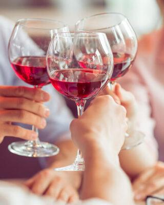 dva-retsepty-dlya-osinnogo-menyu-zapikanka-z-chederom-ta-spring-roly-z-kurkoyu-vdalo-pidibrane-vyno